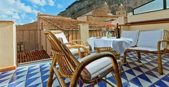 La Plumeria Hotel - צ'פאלו - מרפסת