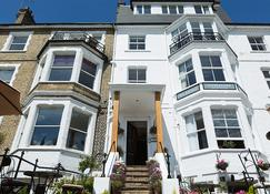 The Gleneagles Guesthouse - Southend-on-Sea - Building