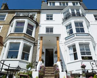 Gleneagles Guesthouse - Southend-on-Sea - Building