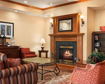 Country Inn & Suites by Radisson, Paducah, KY - Paducah - Living room