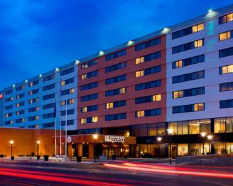 Sheraton Hartford Hotel at Bradley Airport - Windsor Locks - Building