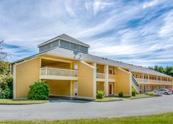 Econo Lodge Freeport - Brunswick Area - Freeport - Building
