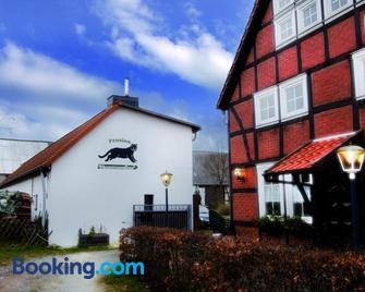 Restaurant Und Pension Zur Wildgans - Arendsee - Building