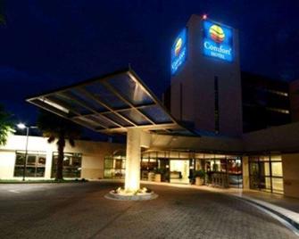 Comfort Hotel Franca - Franca - Building