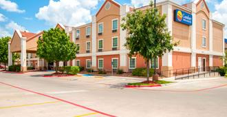 Comfort Inn & Suites Near Medical Center - San Antonio - Toà nhà