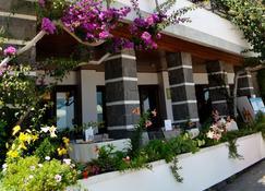 Cala Luna - Dorgali - Rakennus