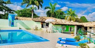 هوتل فالي فيردي - بورتو سيغورو - حوض السباحة