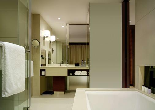 Hyatt Regency Hong Kong Tsim Sha Tsui - Hong Kong - Bathroom
