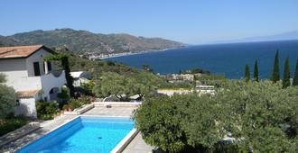 Large terrace with sea view, 2 bedrooms, Wi-Fi and swimming pool - Taormina - Pool