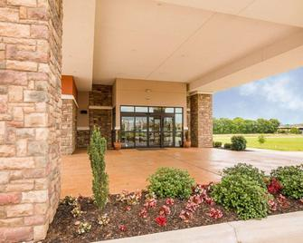 Comfort Suites Bossier City - Shreveport East - Bossier City - Building