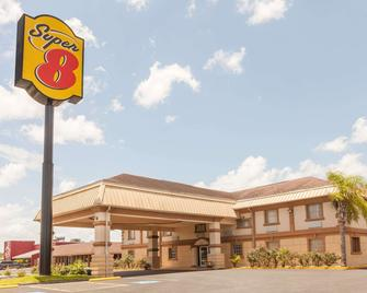 Super 8 by Wyndham Kingsville - Kingsville - Gebouw