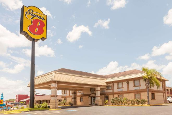 Super 8 by Wyndham Kingsville - Kingsville - Edificio