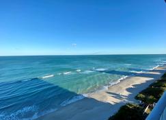 Radisson Suite Hotel Oceanfront, FL - Melbourne - Playa
