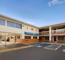 Days Inn by Wyndham Jacksonville NC
