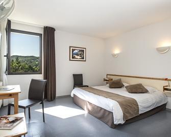 Hotel Le Calice Du Gevaudan - Banassac-Canilhac - Schlafzimmer