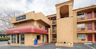 Roy Inn & Suites -Sacramento Midtown - Sacramento - Building