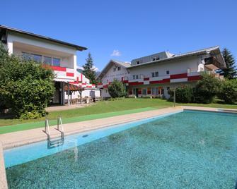 Jugendhotel Egger - Landskron - Bazén