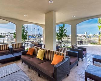 Courtyard by Marriott St. Petersburg Clearwater/Madeira Beach - Madeira Beach - Lounge