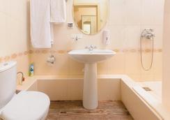 Chalet De Provence Kolomenskaya - Saint Petersburg - Bathroom
