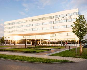 Novotel München Airport - Frisinga - Edificio