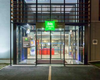 Ibis Styles Vierzon - Vierzon - Building