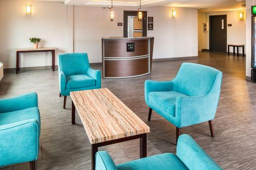 Red Lion Inn & Suites Everett - Everett - Aula