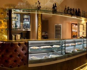 Le Club Boutique Hotel - Λέτσε - Bar