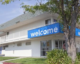 Motel 6 Davis Sacramento Area - Davis - Building