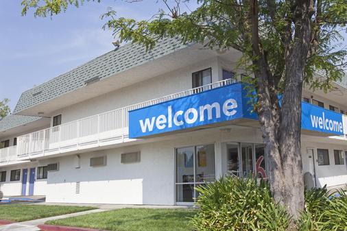 Motel 6 Davis Sacramento Area - Davis - Rakennus