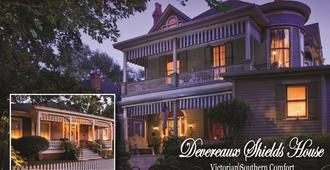 Devereaux Shields House - Natchez - Building