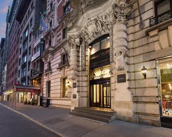 The Hotel @ Fifth Avenue - New York City