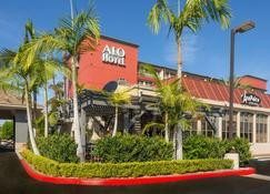 Alo Hotel By Ayres - Orange - Building