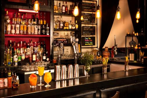 Alo Hotel By Ayres - Orange - Bar