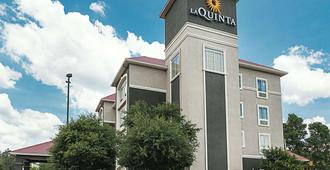 La Quinta Inn & Suites by Wyndham San Antonio Northwest - San Antonio - Bâtiment