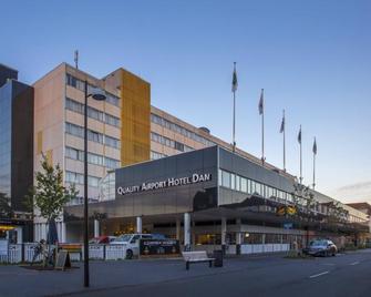 Best Western Plus Airport Hotel Copenhagen - Kastrup - Building