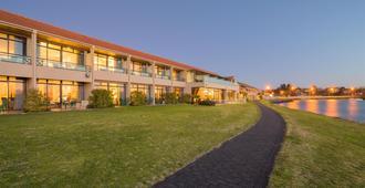 Millennium Hotel & Resort Manuels - เทาโป