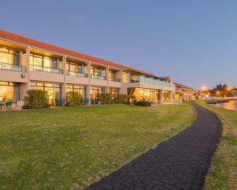 Millennium Hotel & Resort Manuels - Taupo - Building