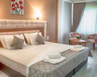 Sayeban Resort & Spa Hotel - Silivri - Schlafzimmer