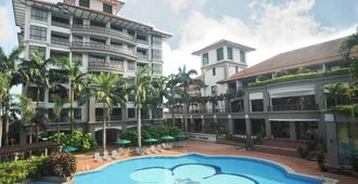 馬六甲麥科塔飯店 - 馬六甲 - 游泳池