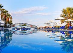 Labranda Sandy Beach Resort - Agios Georgios - Пляж
