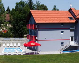 Plitvice Palace - Rakovica - Building