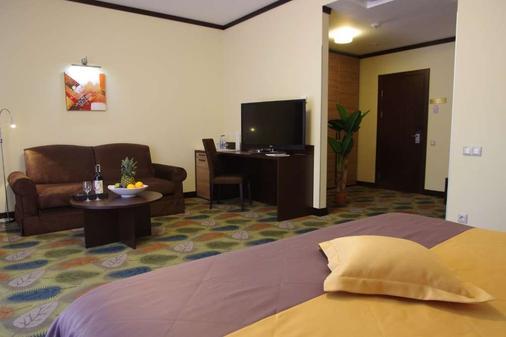 Park-Hotel Golosievo - Kiew - Wohnzimmer