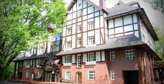 Park-Hotel Golosievo - Kiova - Rakennus