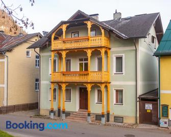 Hotel-Garni & Hostel Sandwirt - Bad Ischl - Edificio