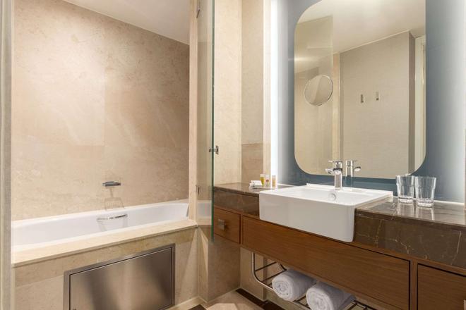 Ramada Plaza by Wyndham Istanbul Tekstilkent - Istanbul - Phòng tắm