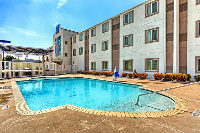Motel 6 Killeen - Killeen - Piscina