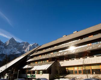 Spik Alpine Wellness Resort - Gozd Martuljek - Gebouw