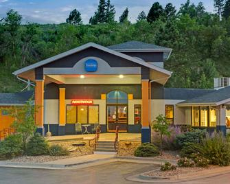 Travelodge by Wyndham Rapid City - Rapid City - Edificio