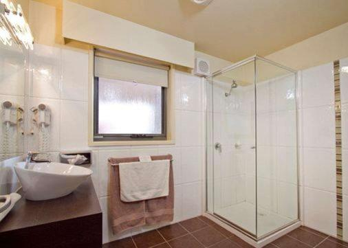Comfort Inn & Suites City Views - Ballarat - Bathroom
