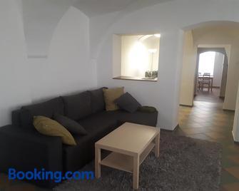 Jüstel apartment - Litoměřice - Huiskamer
